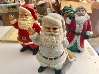 Oh the selection of vintage Santas!